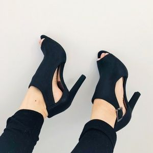[ Vince Camuto ]